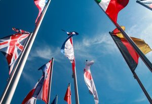 Envio de documentos para 220 países